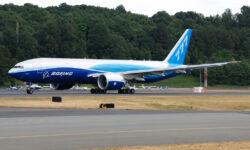 Boeing 777F en su primer vuelo
