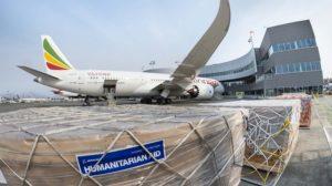 Boeing y Ethiopian aprovecharon el vuelo de entrega de este B-787-9 el 2 de octubre para transportar 9.000 kg de ayuda humanitaria a Etiopía.