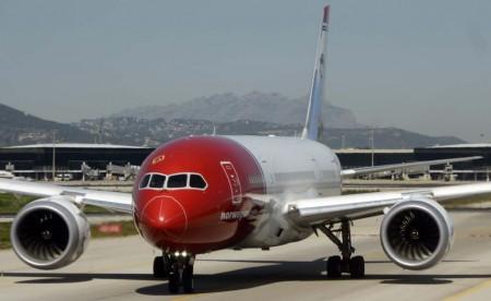 Antes de comenzar sus vuelos de largo radio desde Barcelona, Norwegian operó vuelos a y desde Oslo desde Barcelona para que el personal de la compañía adquiriese experiencia en su operación.