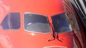 Detalle de los cristales de los parabrisas del Boeing 787.