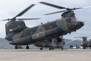España tenía previsto modernizar su flota de helicópteros Boeing CH-47, pero finalmente se ha decantado por sustituirlos por otros nuevos.