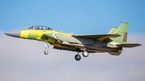 Un Boeing F-15EX durante un vuelo de pruebas.