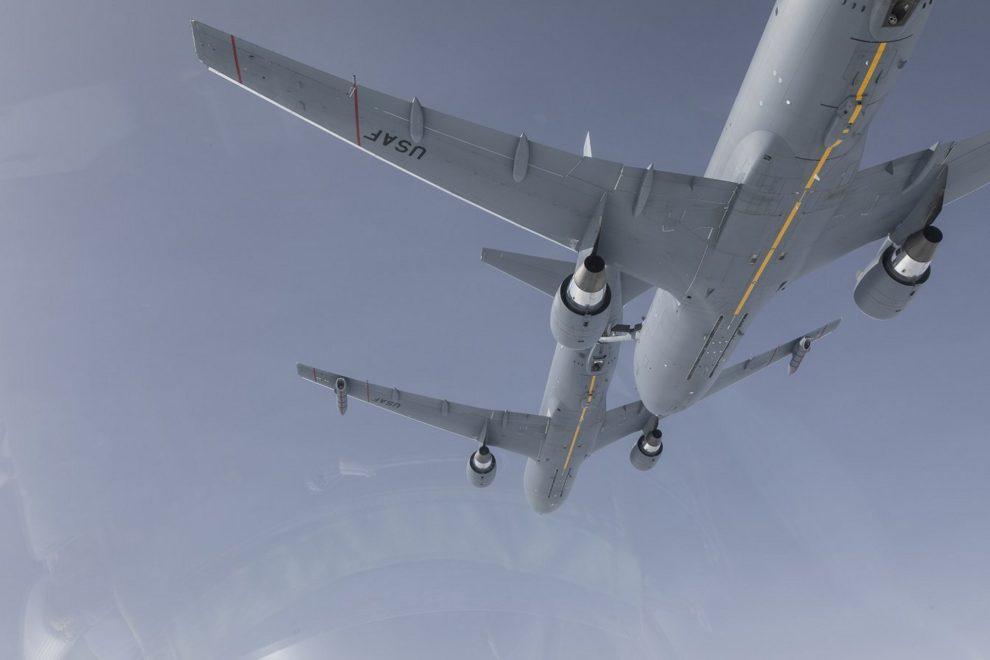 Los dos Boeing KC-46A usados durante la prueba de repostaje en vuelo para la certificación de esta capacidad.