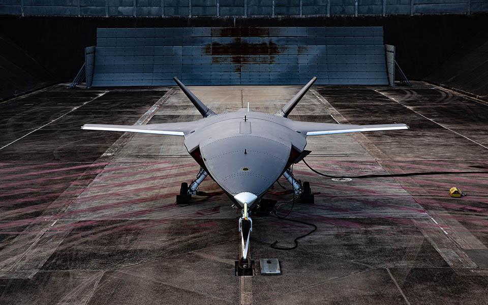 El Loyal Wingman mide 11,7 metros de largo y su reactor es uno ya en servicio con aviones ligeros.