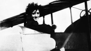 Adrienne Bolland, la primera mujer en cruzar en vuelo los Andes.