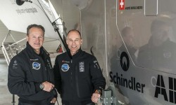 André Borsberg y Bertrand Piccard junto al Solar Impulse.