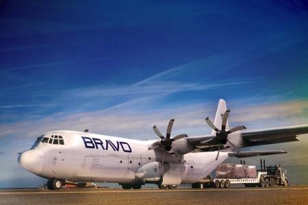 Bravo Industries tiene su sede en Estads Unidos pero Brasil es su principal base operativa, trabajando en los sectores de la carga aérea, MRO y defensa.