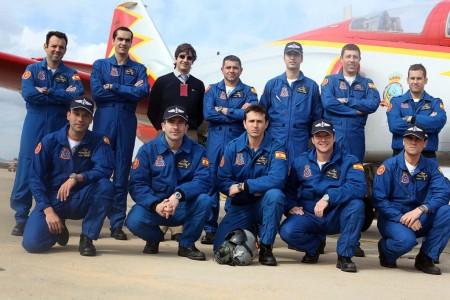 Miembros actuales de la Patrulla Águila con su reloj Breitling