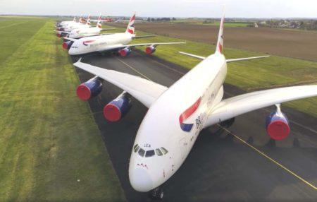 Airbus A380 de British Airways aparcados en Chateauroux.