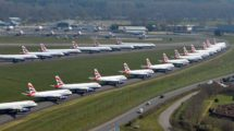 Aviones de British Airways aparcados en el aeropuerto de Bournemouth.