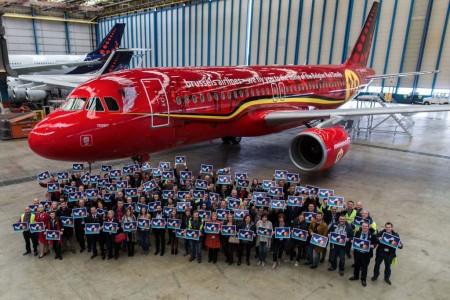 Airbus A320 OO-SNA de Brussels Airlines con los colores de los Red Devils.
