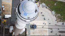 La cápsula Boeing Starliner situada en el cohete Altasl V que la llevó al espacio,