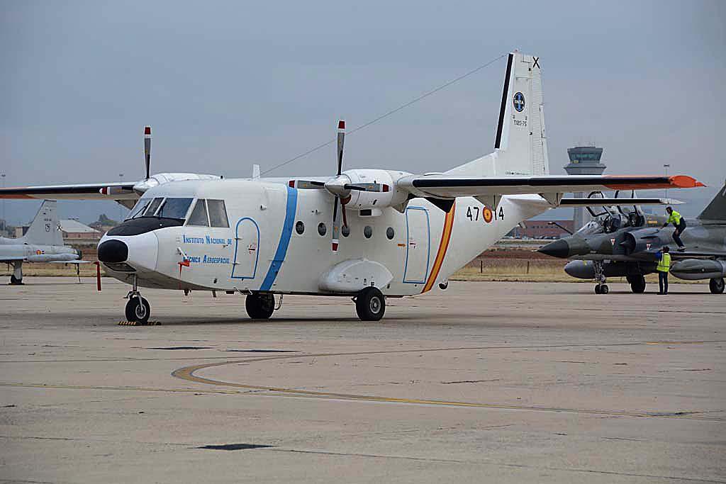 El INTA y el CLAEX trabajan codo con codo. Dispone de dos C212 para diversas misiones.