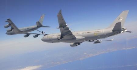 C-135 francés repostando a un A330 MRTT