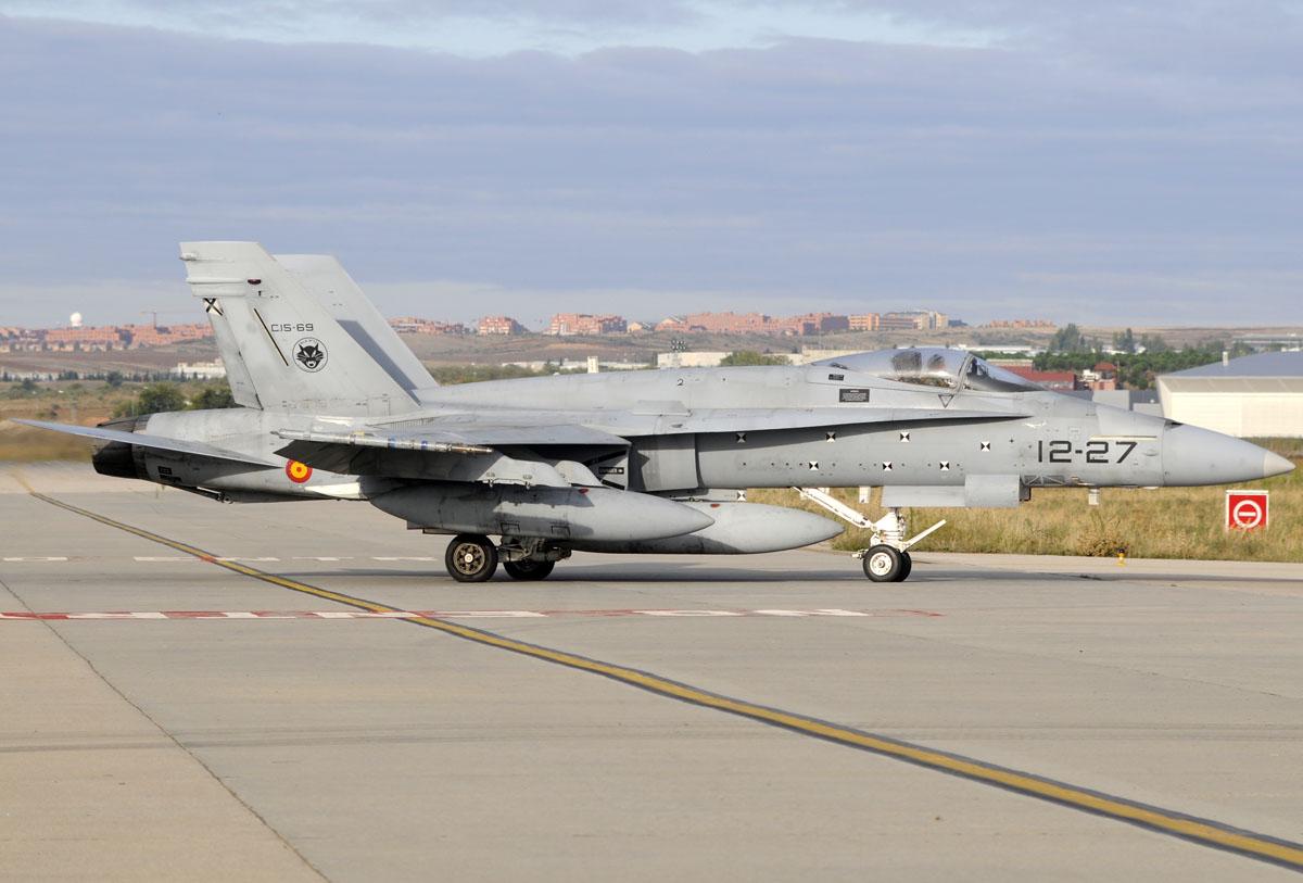 McDonnell Douglas F/A18 del Ala 12 rodando