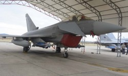 Eurofighter con armamento aire-tierra y el pod Litening. En unas semanas el CLAEX protagonizará una importante noticia sobre este avión.