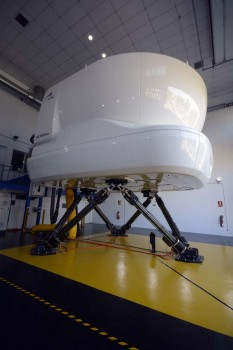 Este simulador de ATR 72-600 es el primero que pone en funcionamiento CAE en sus centros de instrucción en todo el mundo del modelo, aunque cuenta con simuladores de otras variantes de este bimotor franco-italiano.