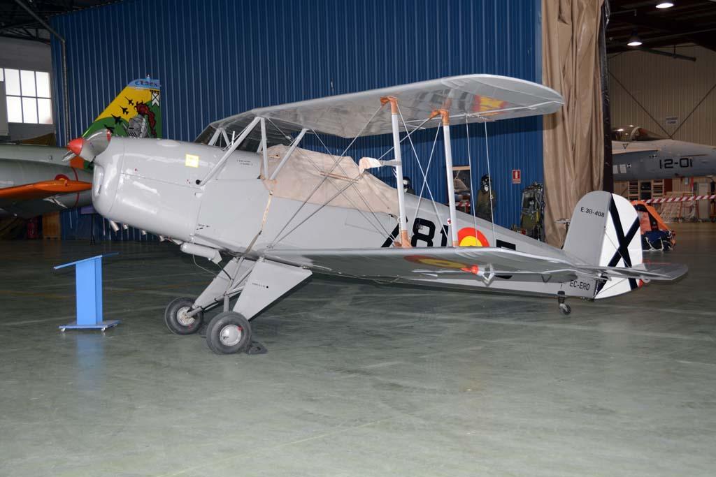 La Fundación Infante de Orleans ha participado en el 25 aniversario del CLAEX con tres de sus aviones en la exposición. Uno de ellos este CASA C-1131, un Bucker Bu.131 construido en España bajo licencia.