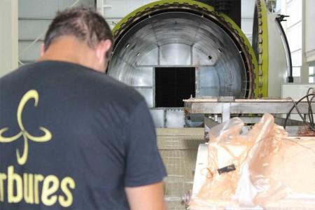 Carbures incorpora una nueva tecnología para el tratamiento de piezas de fibra de carbono para los nuevos modelos de aviones comerciales