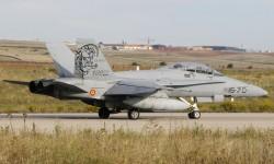 El único F/A-18 del Ala 15 que  ha despegado de Torrejón para el desfile