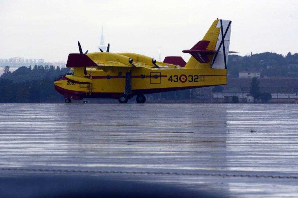 Canadair CL-215T del Grupo 43