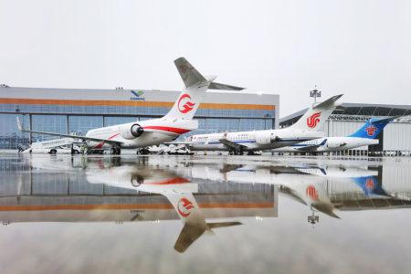 Entrega en junio de 2020 de tres COMAC ARJ21 a aerolíneas chinas.