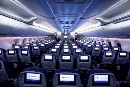 Cabina de clase turista del Boeing 787 de Aeromexico.