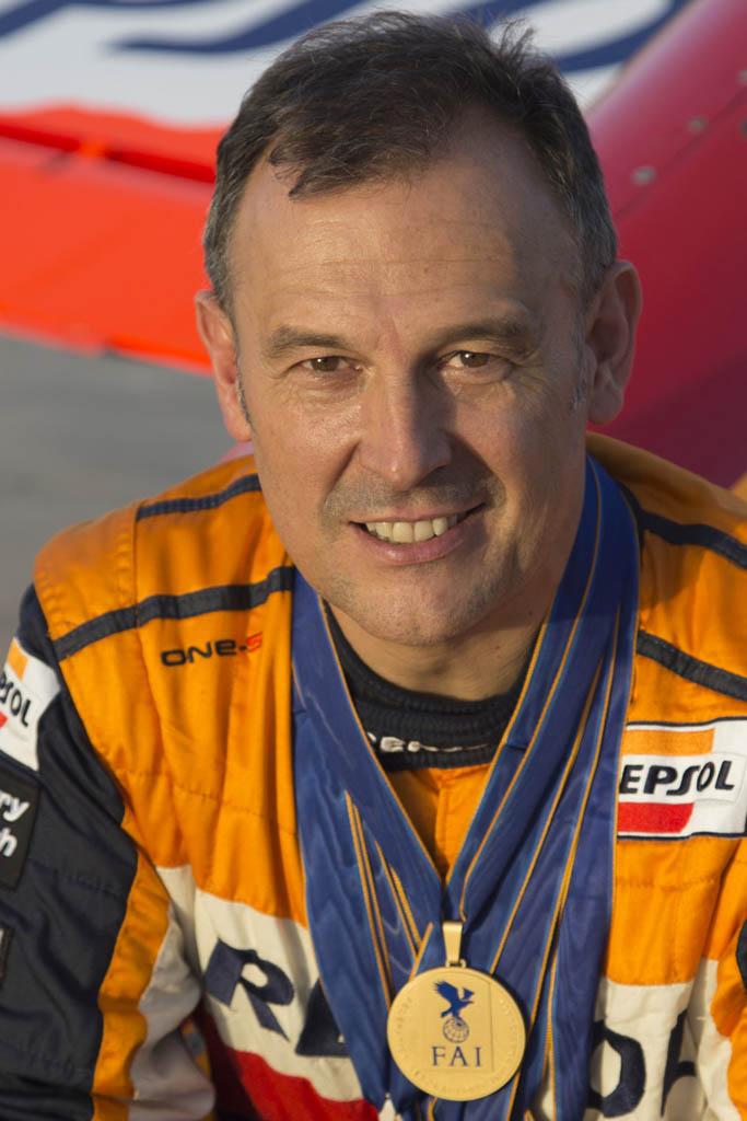 Castor Fantoba ha revalidado el título de Campeón de España de Vuelo Acrobático en categoría Ilimitada por sexta vez.