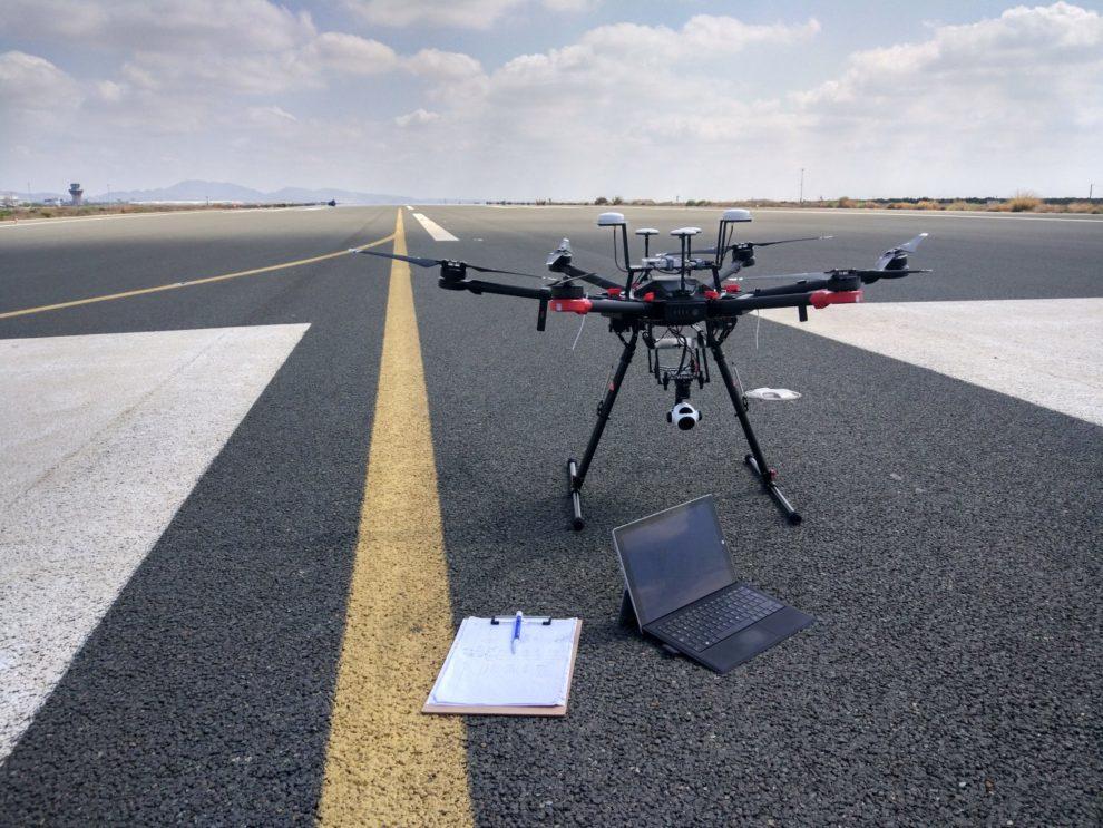 El dron usado por Canard Drones para los trabajos efectados en el aeropuerto Findel de Luxemburgo.