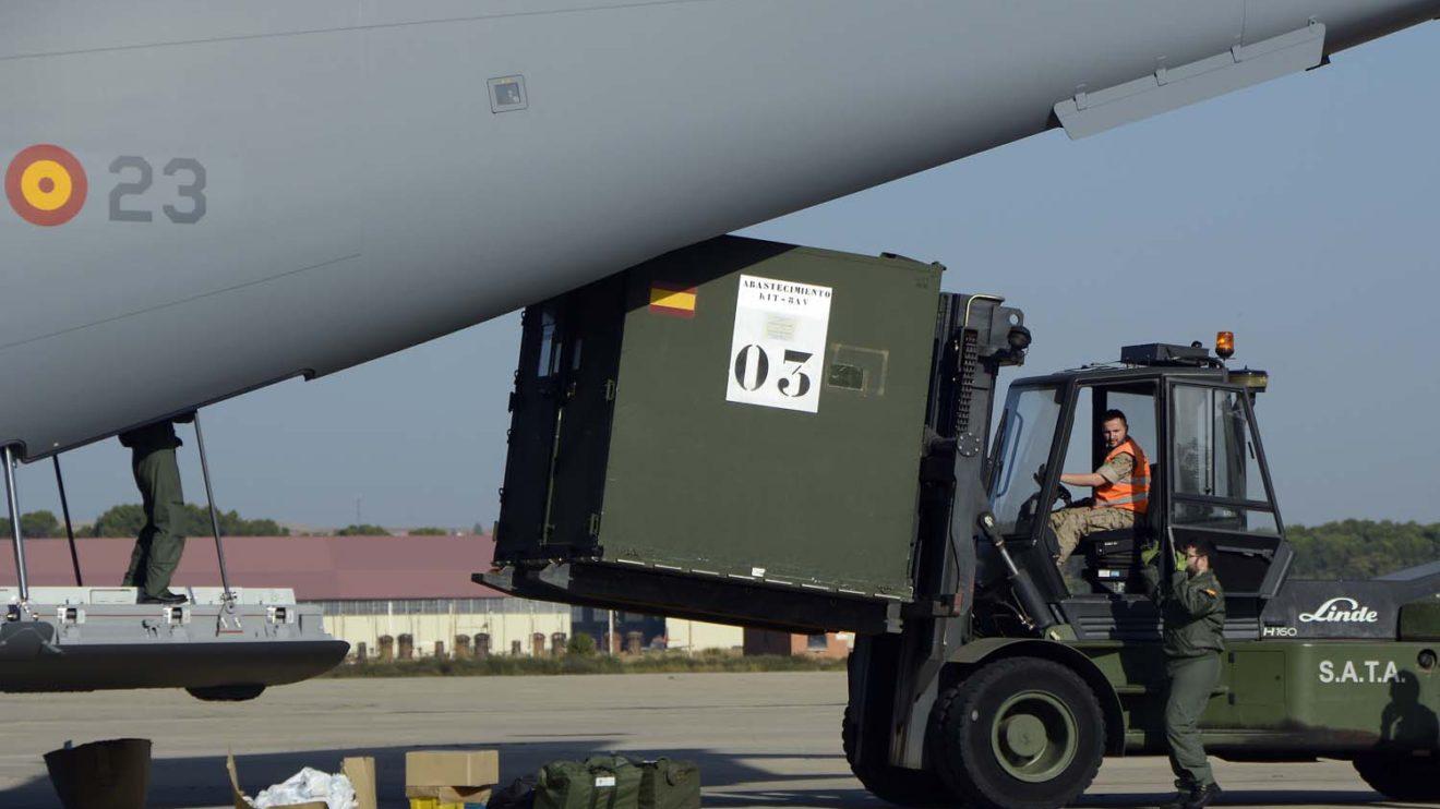 El A400M transportó todo lo que los F/A-18 y su personal necesitarán durante la estancia en Noruega.