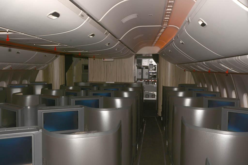 China Airlines ha inaugurado nuevos interiores en los que domina la madera.