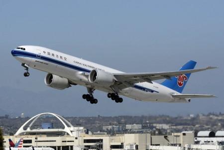 China comprará 300 nuevos aviones a Boeing, incluidos 50 de dos pasillos.