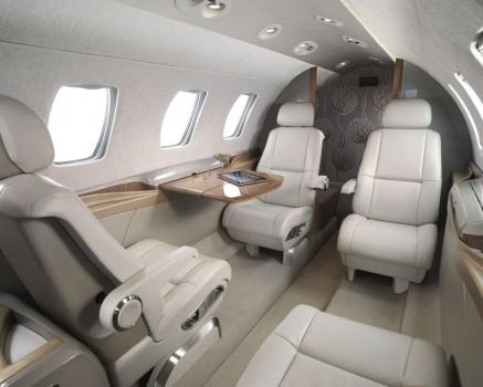 cabina del Cessna M2