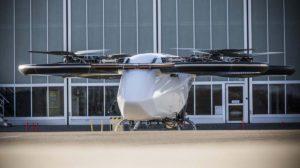 El CityAirbus con sus rotores funcionando durante una prueba previa a su primer vuelo.
