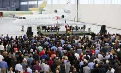 Inauguración del nuevo hangar para los Dassault Falcon 5X y Falcon 8X en Little Rock.