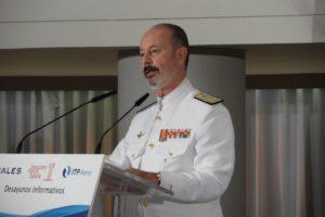 El almirante Santiago González durante su intervención.