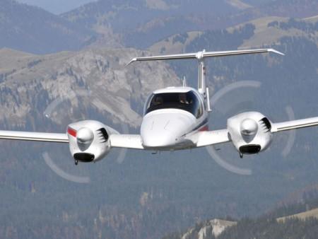 El DA-42 se está convirtiendo en uno de los modelos bimotor favorito de las escuelas de piloto.