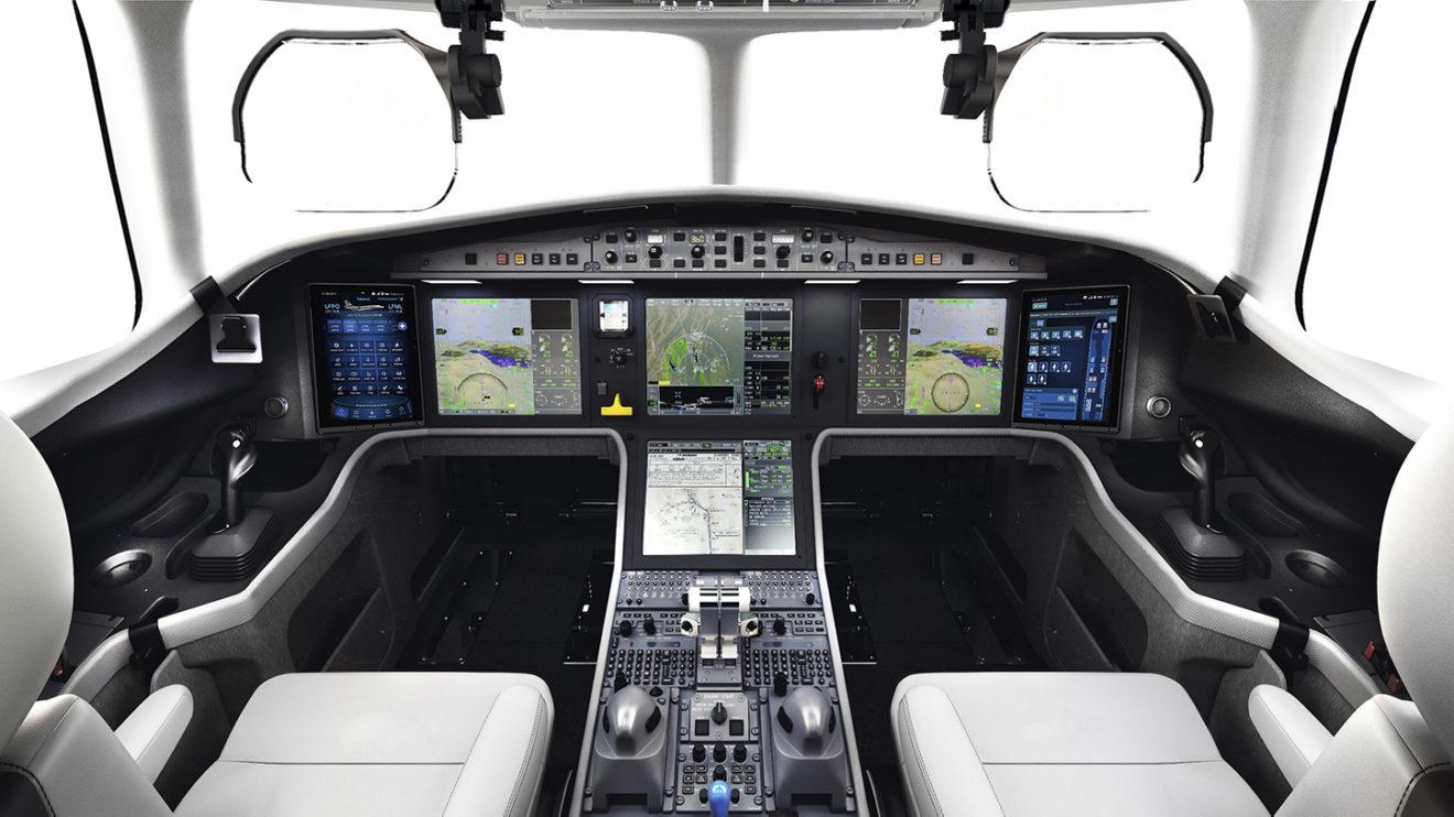 El cockpit está diseñado para la comodidad de los pilotos y para reducir su carga de trabajo, comenzando con un proceso simplificado de encendido de los motores.