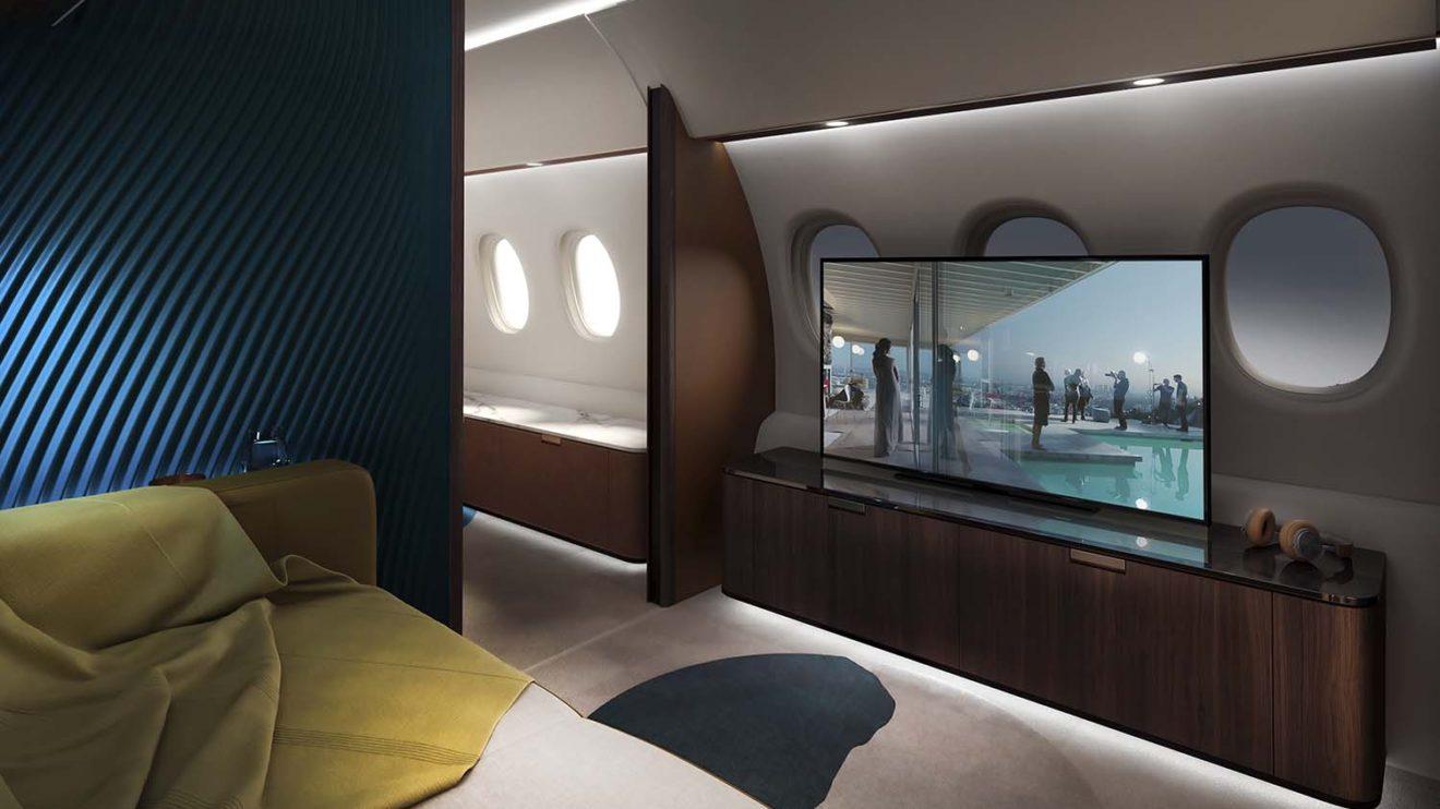 Una de las opciones ofrecidas incluye lo que se puede denominar como un cine a bordo.