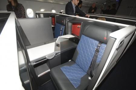 Delta ha presentado los primeros asientos de clase business con puerta.