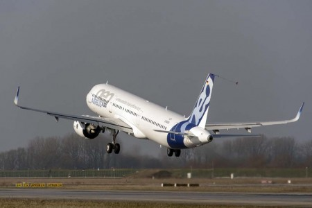 Despegue de Finkenwerder del primer A321neo con motores Pratt & Whitney.