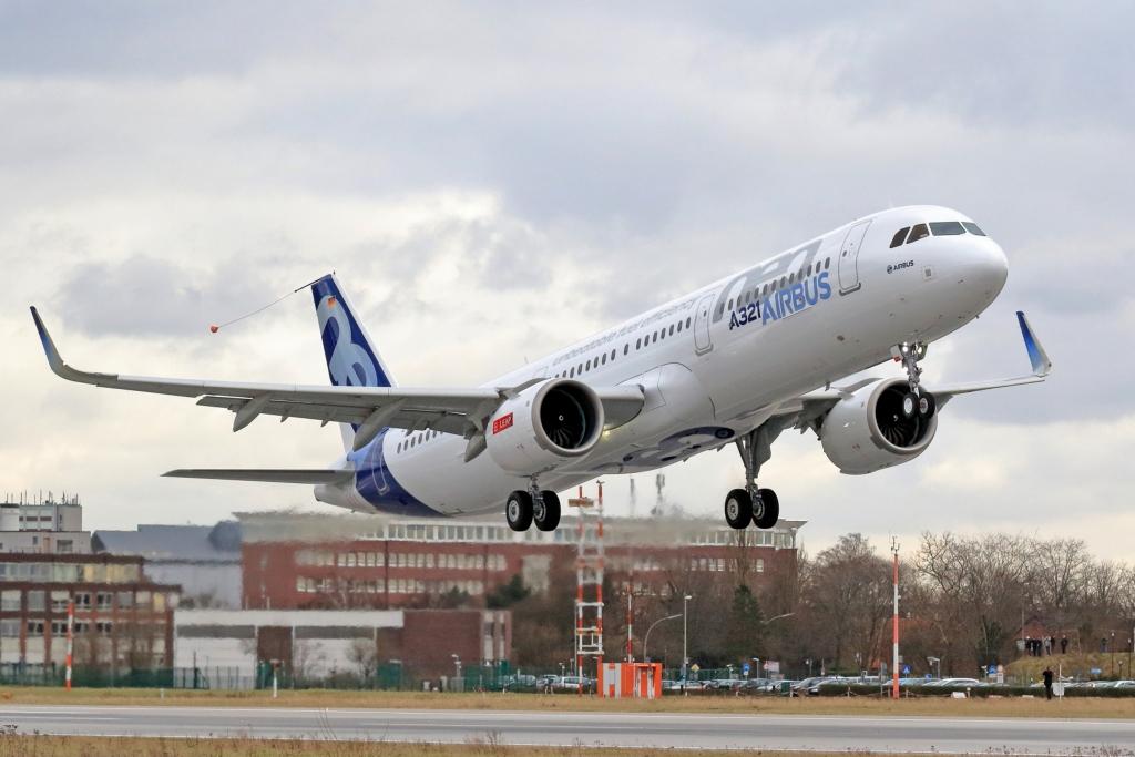 Despegue de Finkenwerder del Airbus A321neo en su primer vuelo.