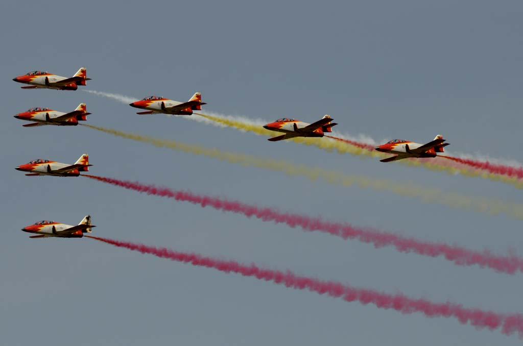 La Patrulla Águila, como es tradición, se encargó de cerrar el desfile aéreo.