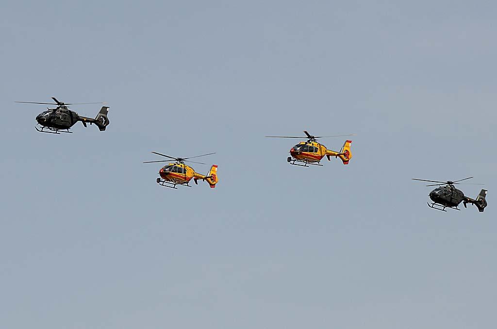La formación de los Eurocopter (Ahora Airbus Helicopters) EC135 estaba formada por dos ejemplares del Centro de Enseñanza de Helicópteros con base en Colmenar (Madrid) y dos de la UME, basados también en Colmenar.