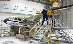 650 horas/hombre de trabajo ha supuesto retirar la pintura original y aplicar los 30 litros empleados en la nueva.