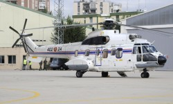 El 403 Escuadrón dispone de dos Cougar fácilmente diferenciables de los Super Puma por los cortacables