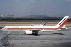 El Boeing 757 EC-ELA de Air Europa vuela hoy como carguero para Fedex tras haber pasado por las flotas de British Airways, Caledonian y El Al.