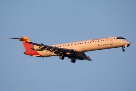Los pilotos de Air Nostrum ganan en los tribunales el derecho a conciliar vida laboral y familiar que les niega la aerolínea.