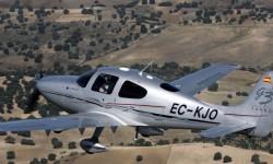 Cirrus SR22 EC-KJO.