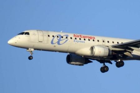 Air Europa ha pasado ya tres Embraer E195 a Air Europa Express/ Aeronova.